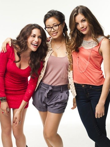 Inbar Lavi, Michelle Ang, Sarah Habel in Underemployed