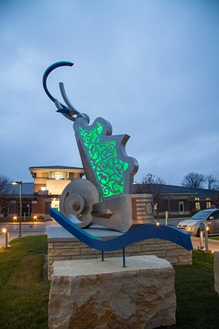 Dan Perry sculpture