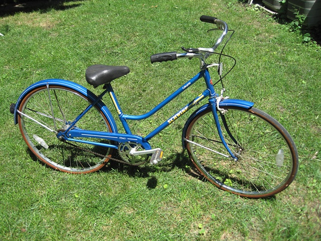 Schwinn-Collegiate-womens 3 speed