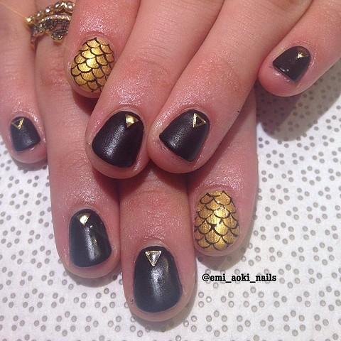 Matte Black x Gold Scales