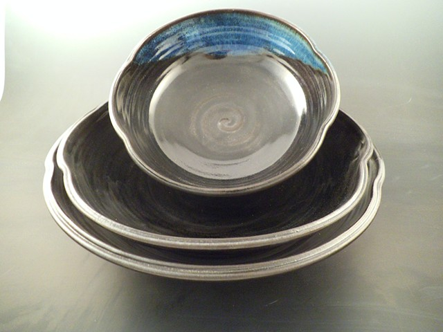 Shallow Nesting Bowl Set in Black with Rutile accents