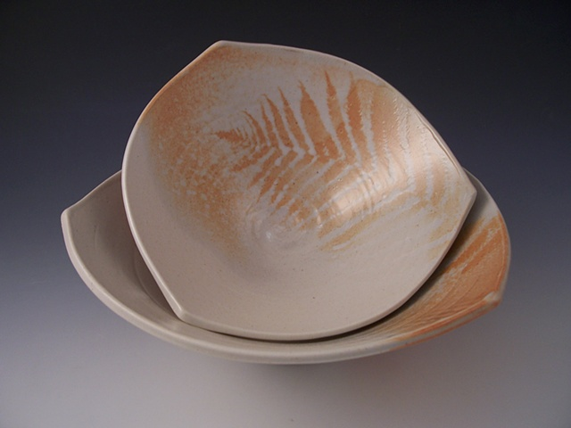 Triangle Nesting Bowl Set with Fern Design