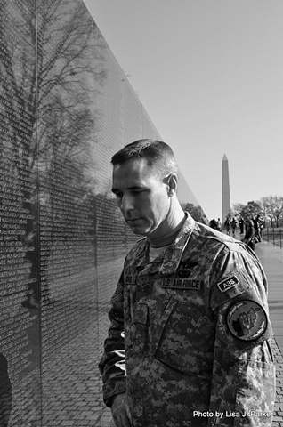 MAJ Quaid at the Vietnam Veterans Memorial