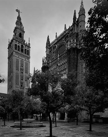 Giralda y Patio de los Naranjos. Sevilla