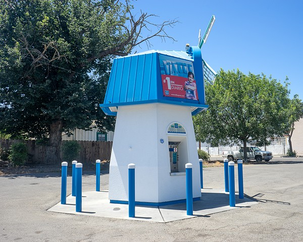 Drive-In Water Kiosk, Newman, CA