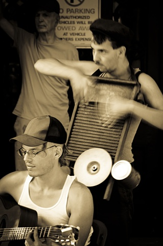 Washerboard Musicain in French Quarter