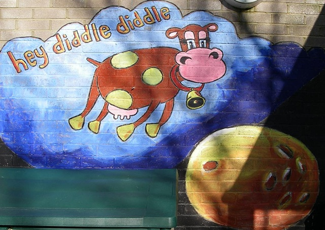 Mural 'Hey Diddle Diddle'