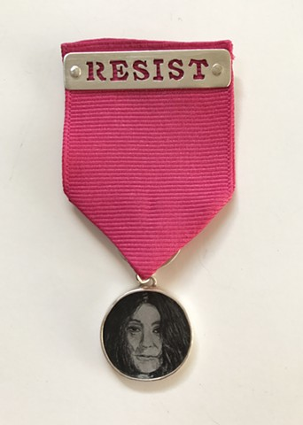 Smulovitz, Medal of Hope: Yoko Ono - Resist