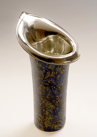 "eglomise, Reverse painting on glass, gildedglass, ""Blue Lily"" glass vase by Jan Maitland, White Gold Leaf, Hand Painted, verre églomisé"