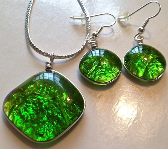 "Limeade ""Pillow"" necklace and earrings..."