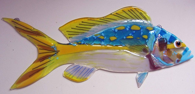 "Large Yellowtail Snapper...  details: about 20"" long x 9"" tall"