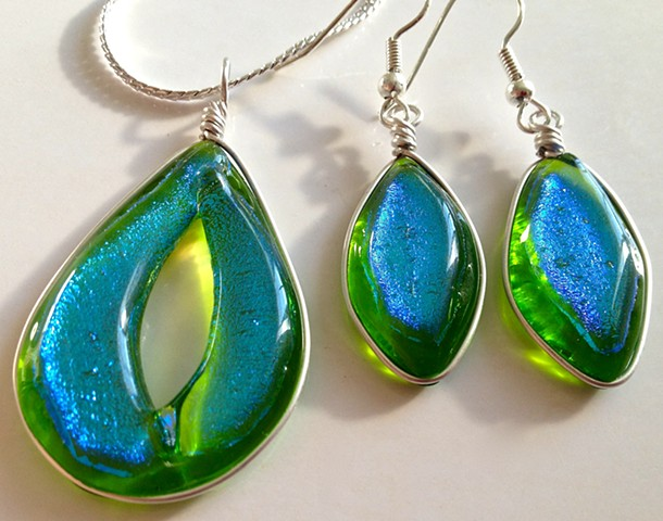 "Lime Green ""Oh My"" necklace and earring set..."