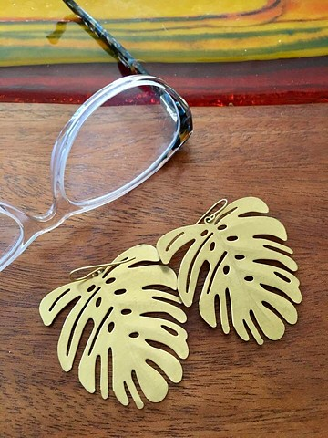 Monster Monstera earrings...