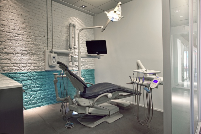 Tribeca Dental Office, modern dental office, modern operatoryby doug stiles interior design