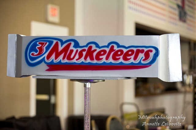 3 Musketeers Centerpiece