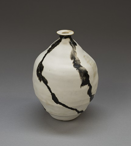 Fluid Spokes-Black and White Vase