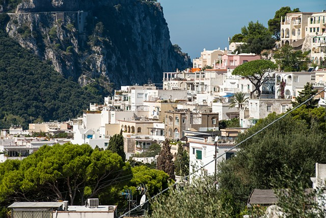 Island of Capri, long climbs uphill, beautiful landscapes