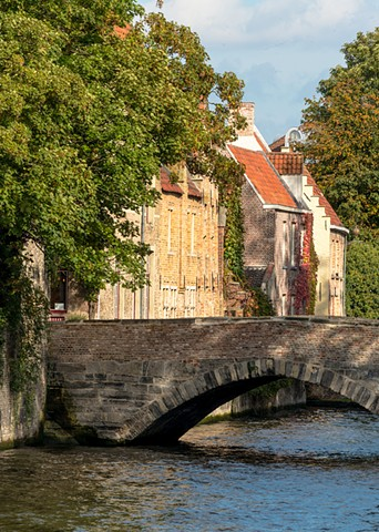 Fall in Bruges brings colours to the vines that cover the architecture