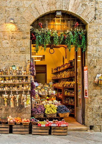 Spice and Grapes, Siena Italy