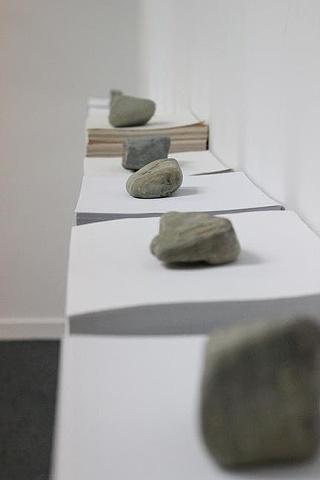 """""""Los Nueve..."""" Madera mdf, papel blanco tamaño legal, piedras substraidas de la Isla de Caja de Muerto e intervenidas con """"laser cut"""". Medidas variables"""