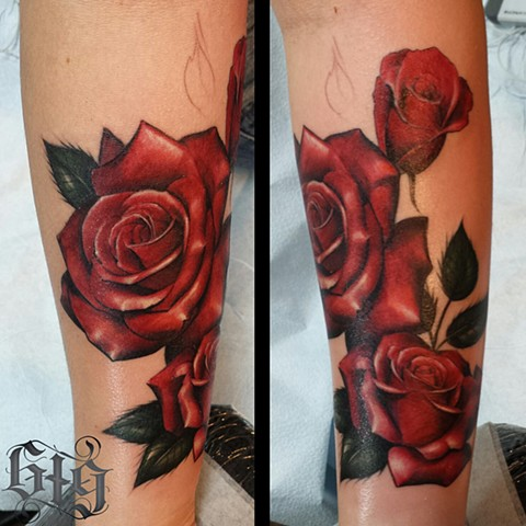 Colorful Red rose roses, tattoo on foreaerm Southern California. San Diego, North Park, Pacific Beach, Mission Beach, City Heights, Hillcrest, El Cajon, Portland Oregon, Edinburgh Scotland, Ocean Beach