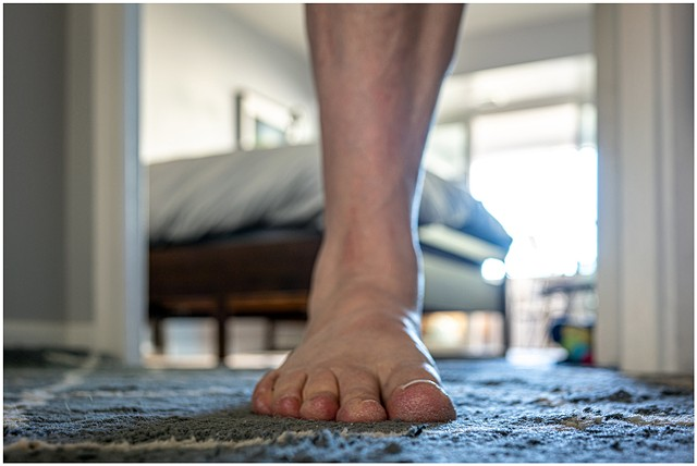 Self-portrait - Forward foot