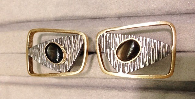 Bill Fisk's cufflinks--haunting reminder of Wilson's past.  Custom designed by S Maslansky, fabricated by Donna Sackowitz NYC