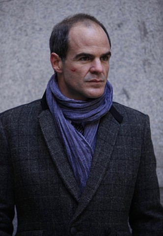 Terrence Brooks (Michael Kelly)