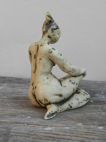 Sitting Figurine ( Leg Across)
