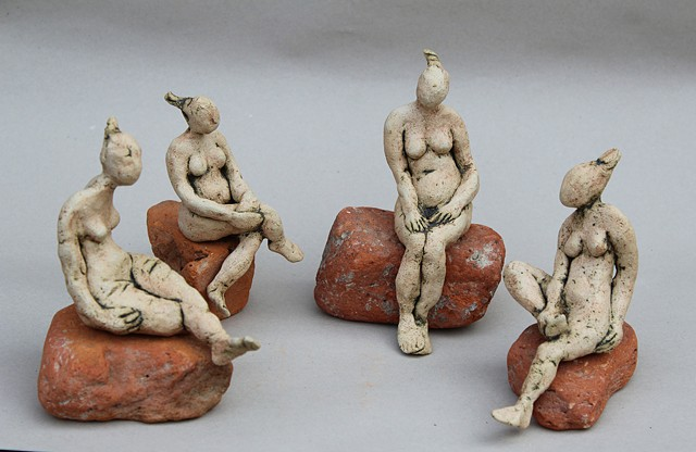 ARCHIVE- Figurines