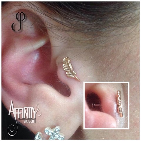 Johnny Pearce Tragus Piercing Gold Feather BVLA