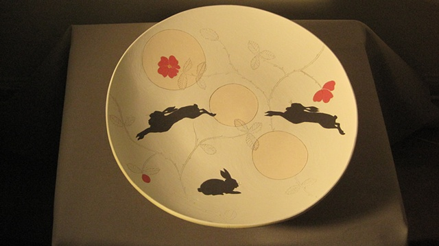 plate with rabbits