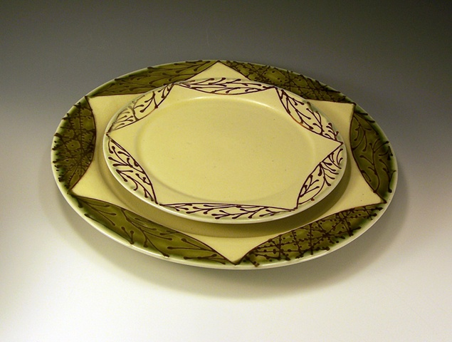 salad and dinner plates with ledge