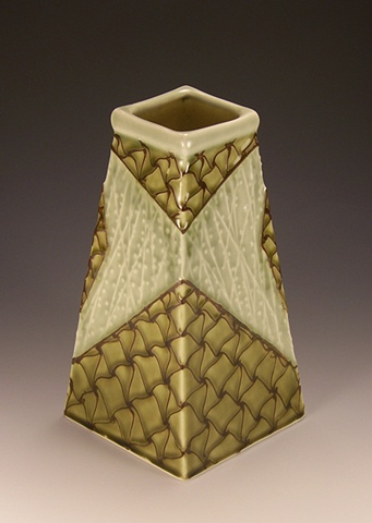 medium four sided vase (avocado)