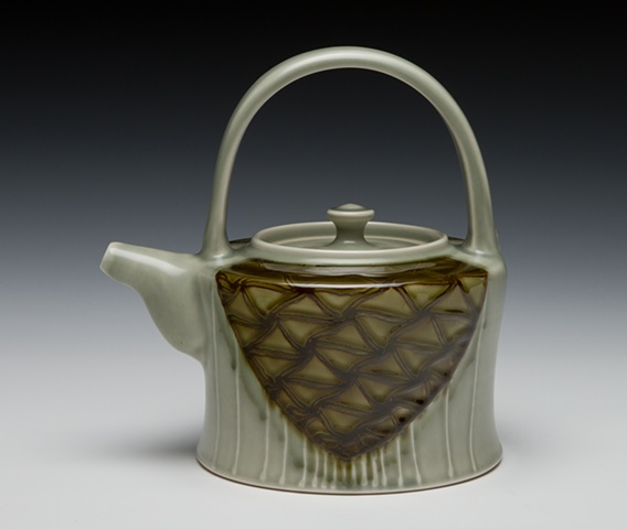 teapot with overhead handle avocado