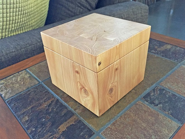"Juniper wooden keepsake box with endgrain lid, 5"" square."