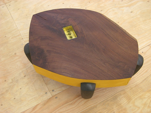 bee coffee table