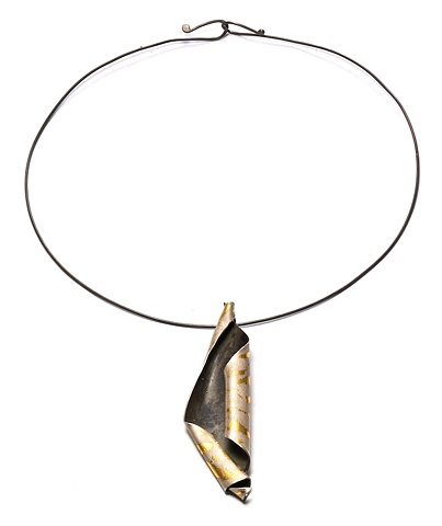 Folded Sheet Kum Boo Necklace