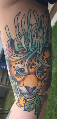 leopard and Chrysanthemum