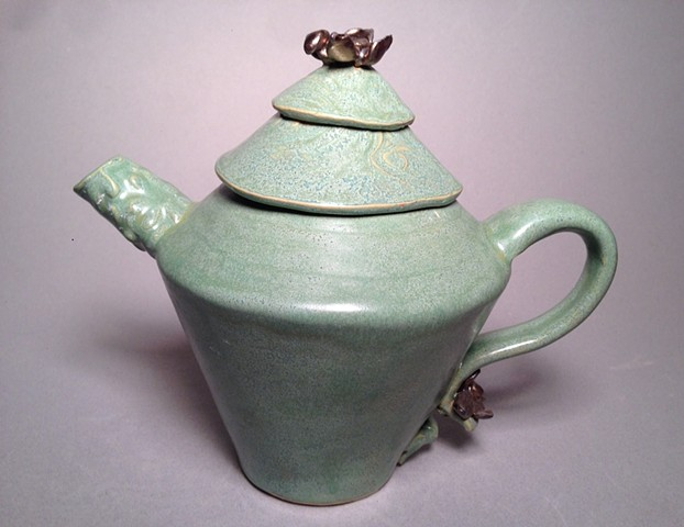 Golden Flower Teapot is beautiful and functional-Green tea glaze