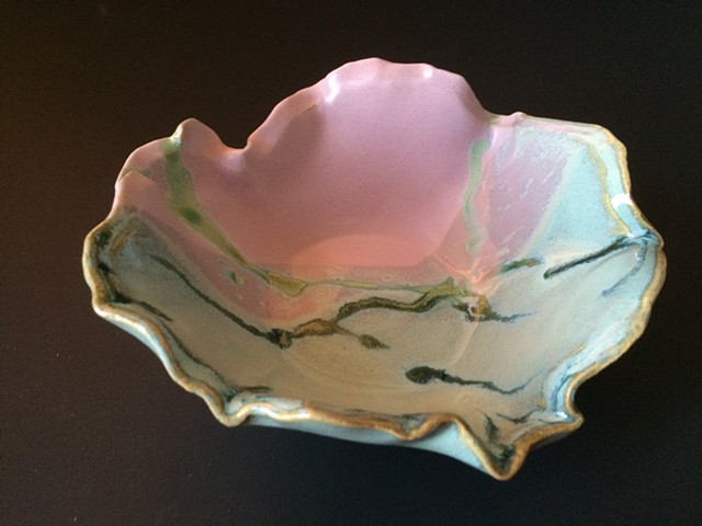 Handcrafted Water Lily Pottery Bowl