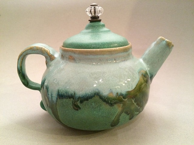 Green Teapot with Ornamental Nob