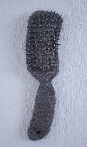 Hairbrush (curved end)