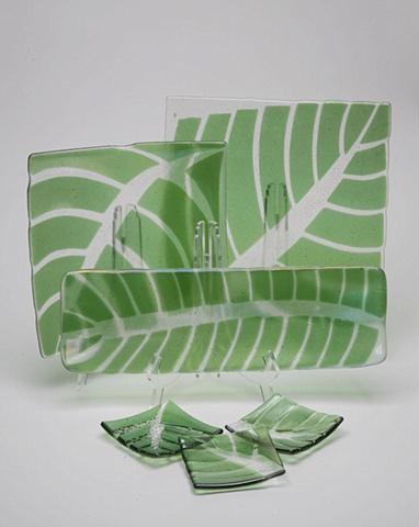 leaf plates, leaf dishes, leaf trays