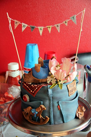 "Tebon Baby Reveal Cake ""Cowboy or Cowgirl""(photo's by Danielle Charriere)"