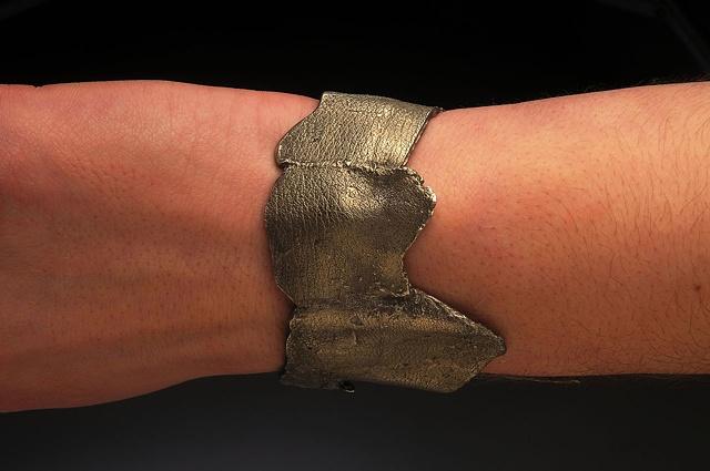 bracelet A side view
