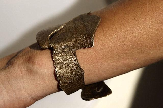 Bracelet 2 side view