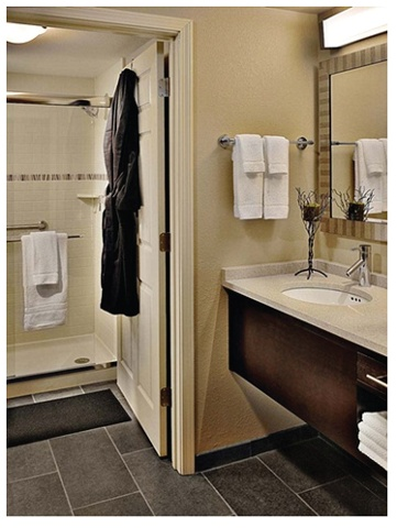 Staybridge Suites: Bathroom
