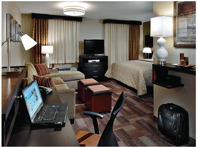 Staybridge Suites: Guest Room