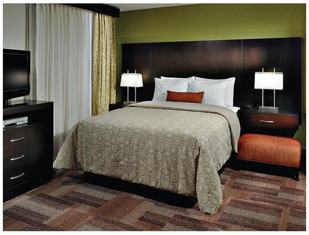 Staybridge Suites: Bedroom
